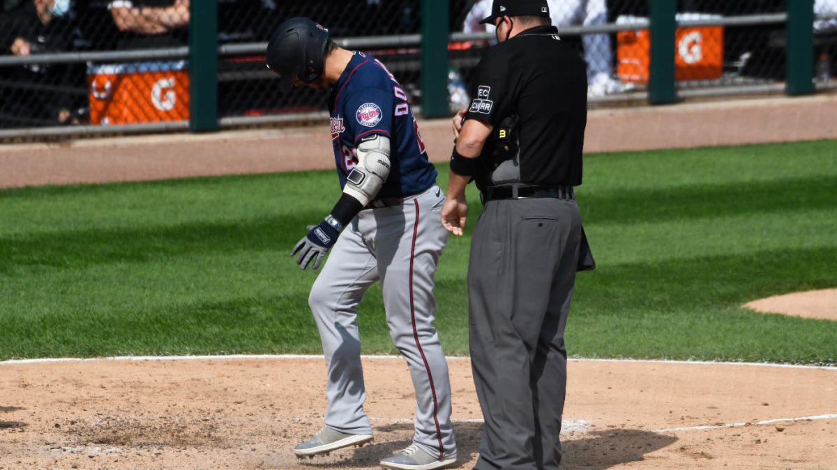Twins' Josh Donaldson hits home run, then gets ejected for kicking dirt on home plate