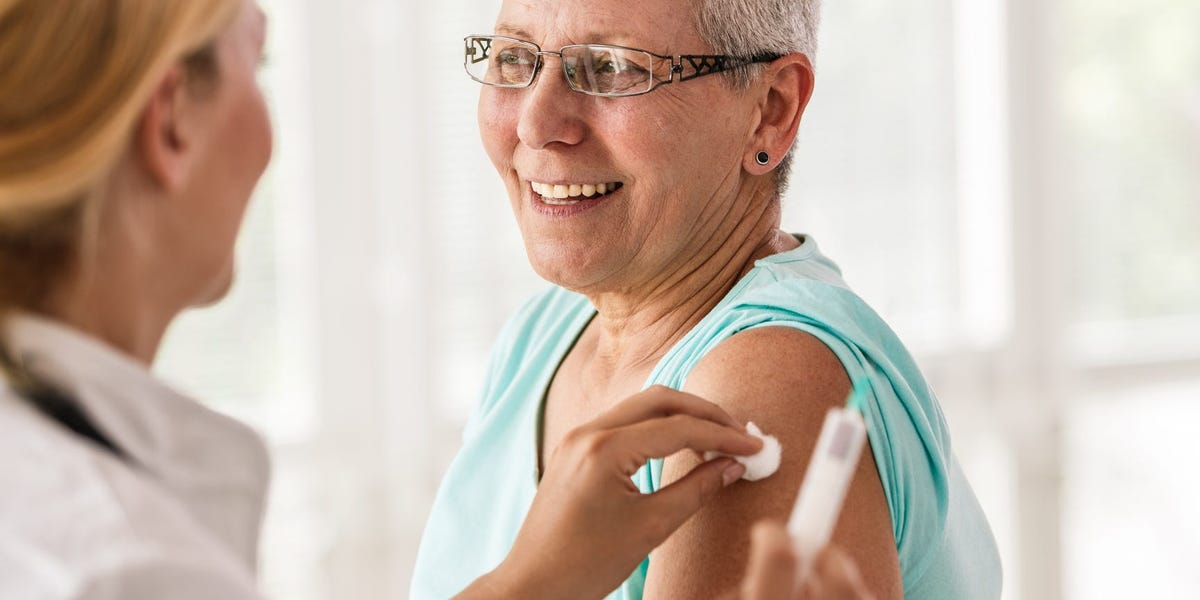 Senior flu shots: Why a high-dose vaccine is more effective