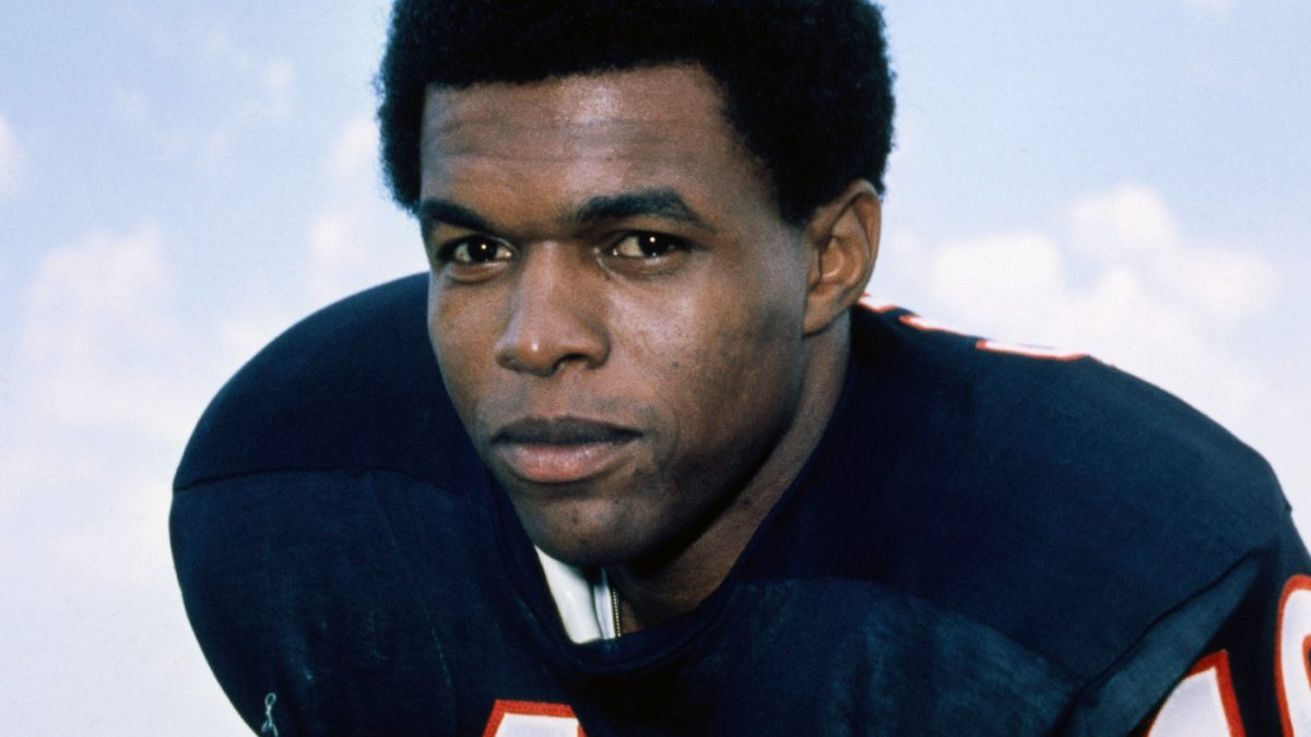 Gale Sayers, Who Wowed NFL Fans And Inspired A Beloved TV Movie, Dies At 77