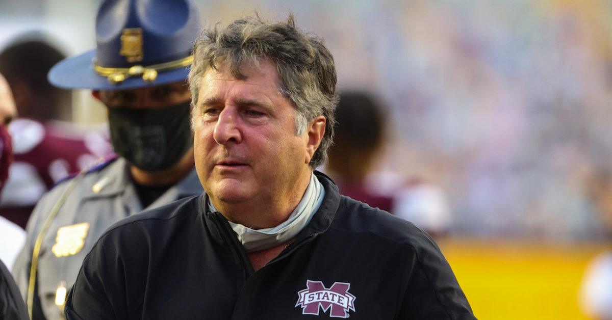 Mike Leach shares 2 hilarious memes following upset of LSU