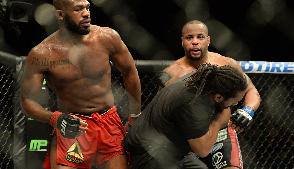 Daniel Cormier: Jon Jones vacated title to avoid Dominick Reyes, probably returns to 205
