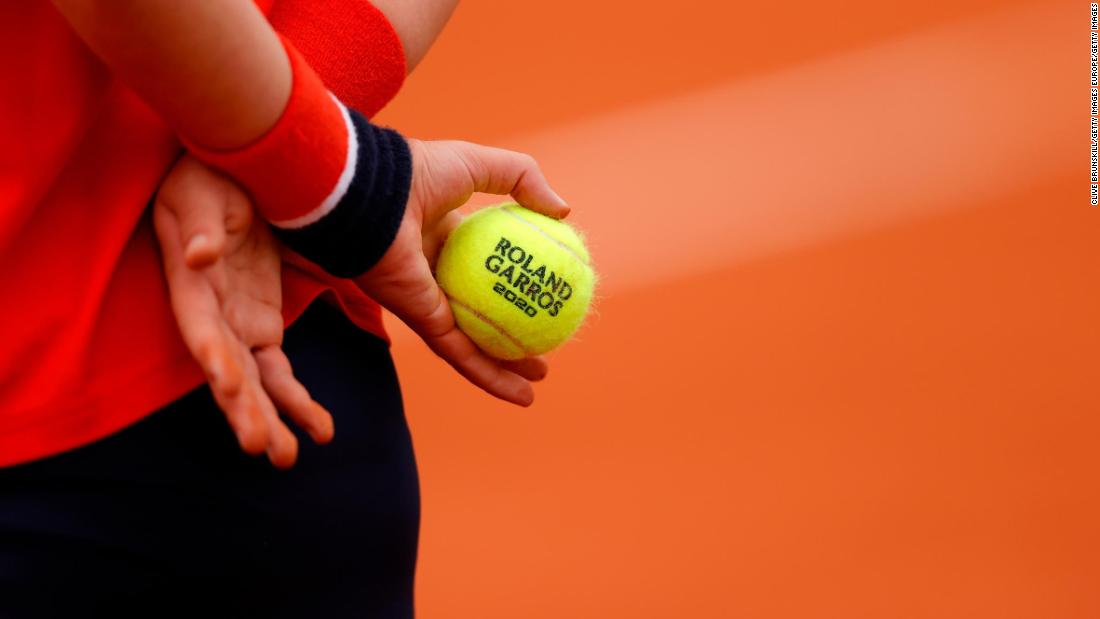 'Wouldn't give to a dog to chew': Tennis players complain about new balls at French Open